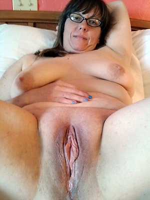 Naughty shaved mature pussies pics