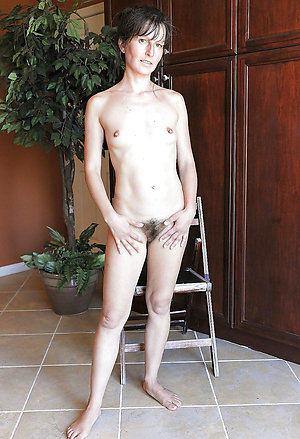 Gorgeous skinny mature nude pics