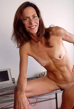 Skinny naked mature women galleries