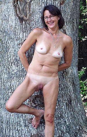 Naked small mature tits photos