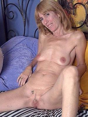 Homemade porn mature small tits pics