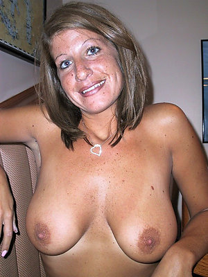 Bombshells hot mature natural tits