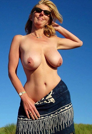 Free porn pics of older women with big tits