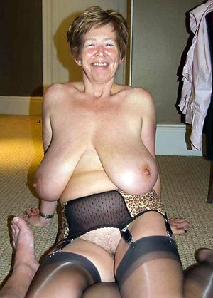 Sexy huge mature tits pictures