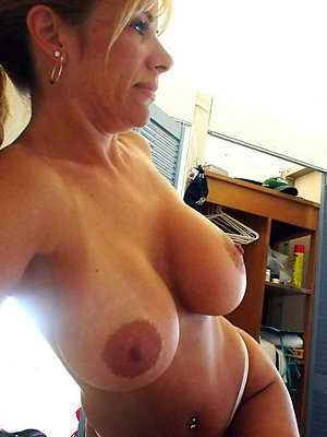Homemade pics of mature mom with big tits