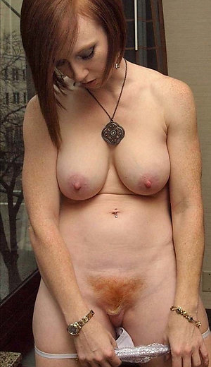 Nice amateur mature mom tits pictures