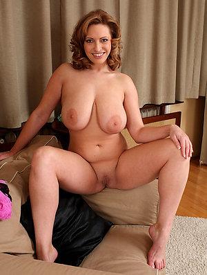 Sexy mature nice tits amateur pics