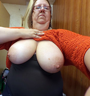 Homemade pics of natural mature tits
