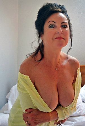 Cute hot mature tit stripped pics
