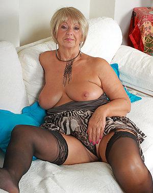 Xxx nylon stocking sex pictures