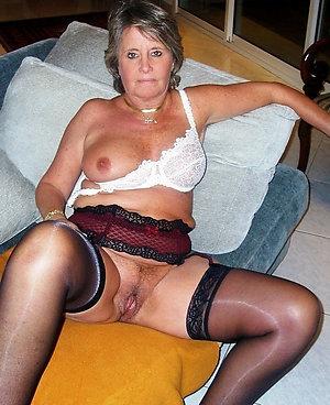 Free pics of sexy nylon stockings