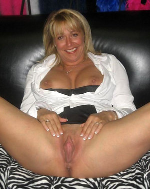 Amateur pics of mature wife sex
