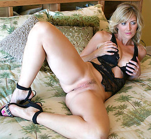 Perfect amateur wife porn pictures