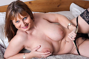 Free mature wife porn