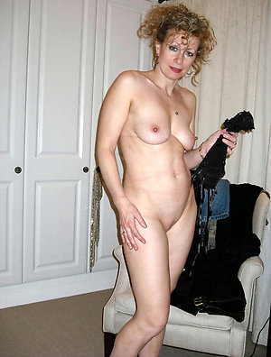Beautiful natural mature white wife