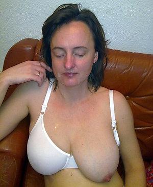 Hotties mature wife masturbating