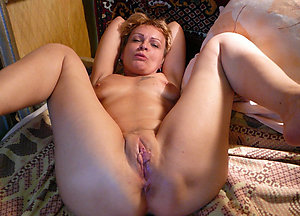 Naked hairy mature wife pictures