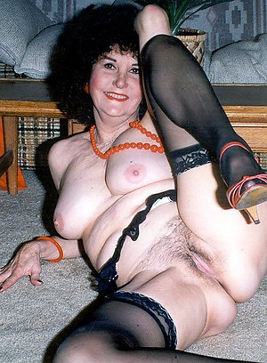 Whorish mature wife blowjobs pics