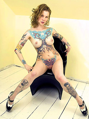Naked sexy tattooed naked women pics