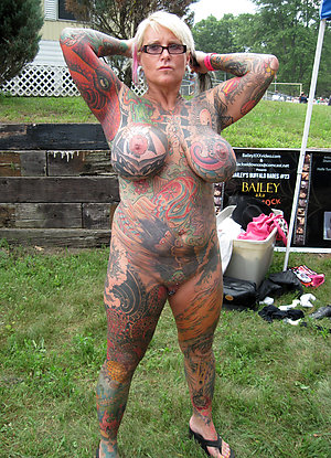 Free sexy tattooed nude women pics