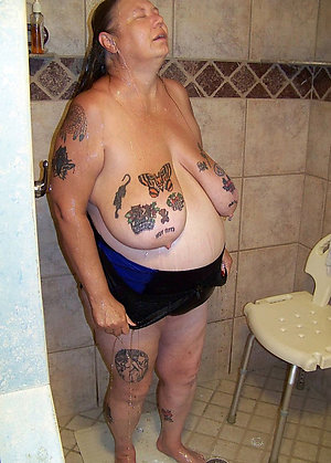 Amateur pics of tattoos on sexy women