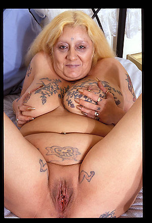 Free pics of mature women with tattoos