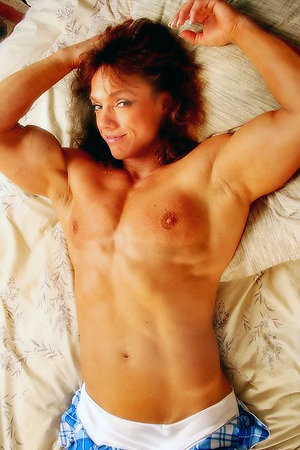 Nude mature muscle women pics