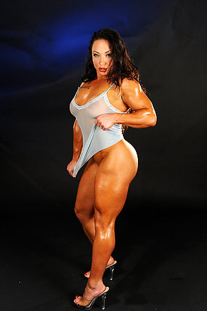 Amateur pics of sexy women with muscles