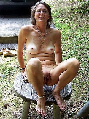 Slutty old women amateur nude photos