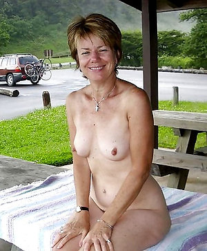 Sexy old lady amateur nude pictures