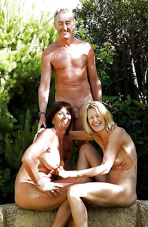 Xxx mature threesome porn gallery