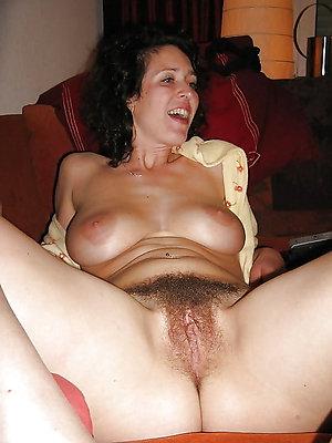Pretty hairy women pussy pics