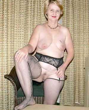 Pretty saggy tits grannies sex pics