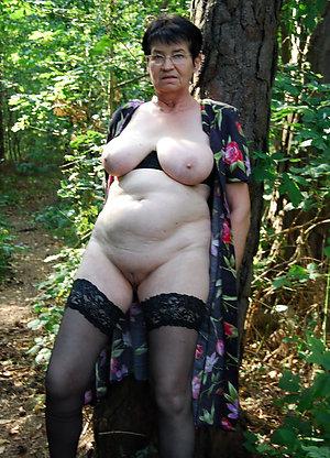 Naked real granny porn pics