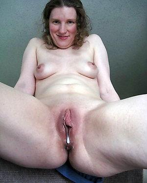 Naughty mature creampie pic