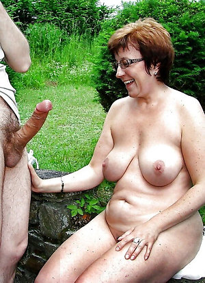 Pretty women naked outdoors porn
