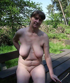 Free best pictures of naked women outdoors