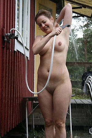 Sweet nude mature women outdoors pics