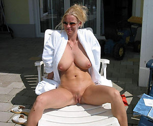 Free sexy women outdoors porn gallery