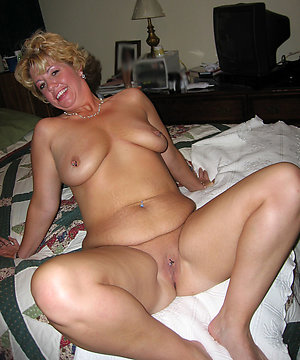 Slutty mature nude housewives pic