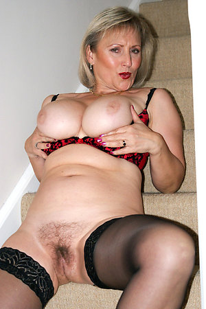 Naked hot mature solo xxx