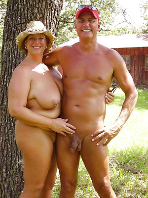 Slutty mature nudist couples pics