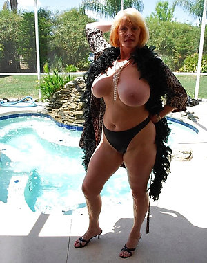 Slutty amateur mature battalion pics