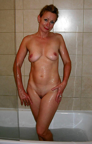 Pretty nude mature natural women xxx