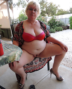 Amateur pics of mature women with huge tits
