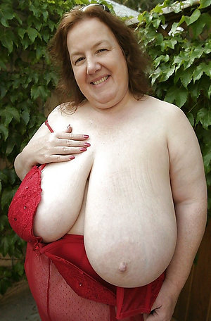 Favorite mature women with huge tits pics