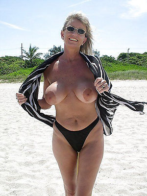 Xxx nude beach older slut pics