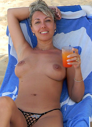Free nude beach pussy pics