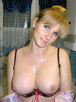 Hot innocent mature pussy pictures