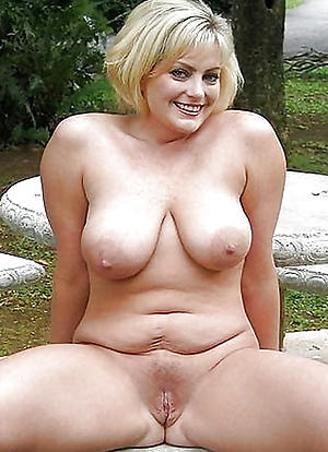 Busty adult nude housewife